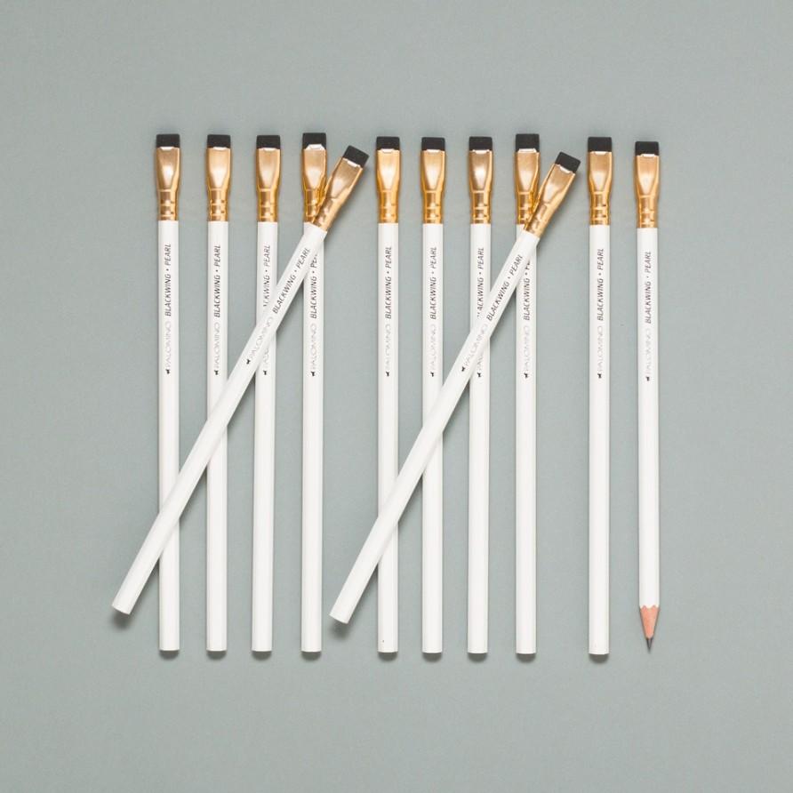 weißer Blackwing Bleistift von Palomino im 12er Set