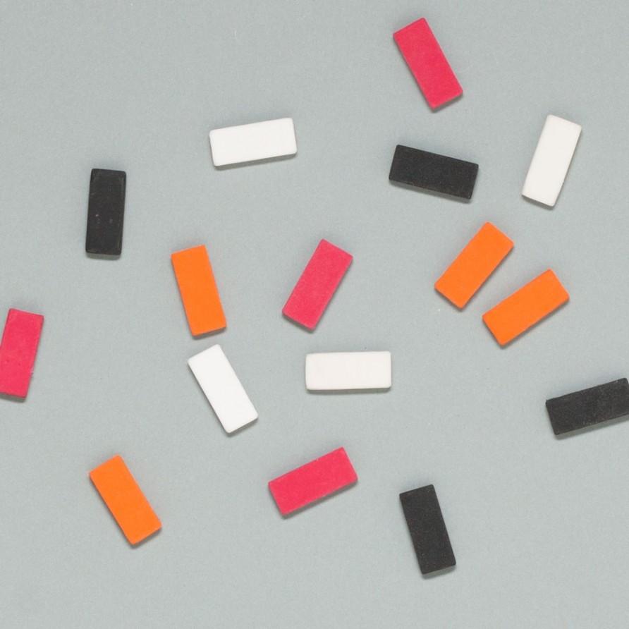 Blackwing Radiergummis von Palomino in weiß, schwarz, rot, orange