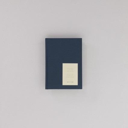 undatierter Kalender Notem dunkelblau